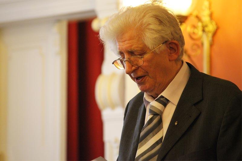 """""""Nemzeti kultúránk éltető eleme a nyelvünk"""" – Wacha Imre megnyitója a Kazinczy-versenyen"""
