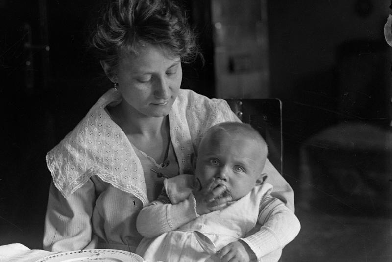 Derék anya volt, aki szülte – szólások és közmondások az édesanyákról
