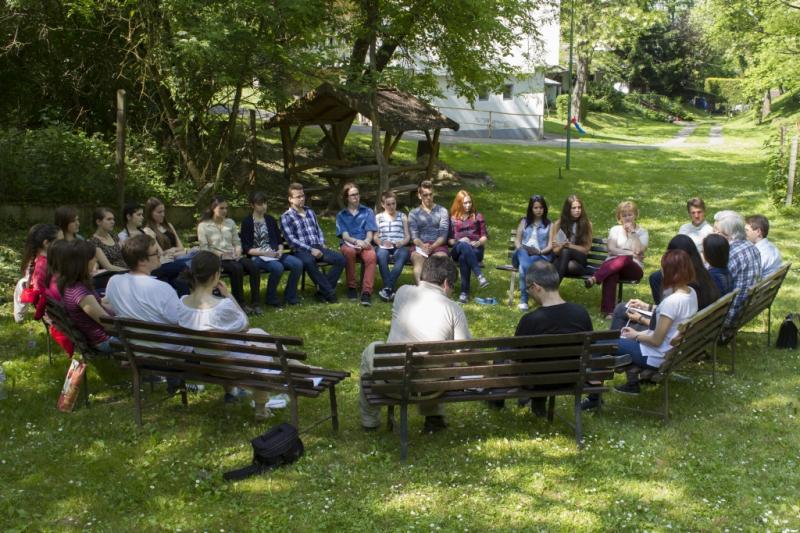 Egy kellemes hétvége Tahiban – helyi csoportok tanácskozása