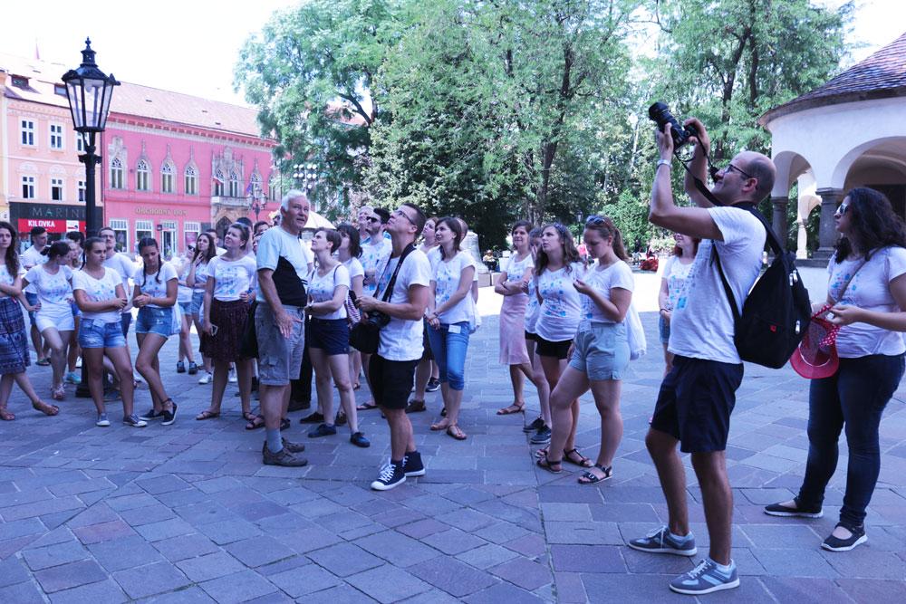 """XXV. Országos Ifjúsági Anyanyelvi Tábor – augusztus 11., péntek """"percről percre"""""""