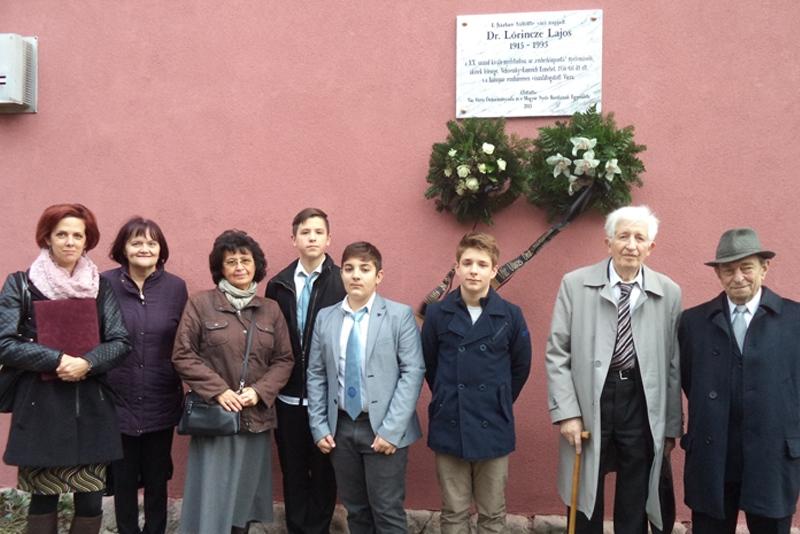 Lőrincze Lajos emléktáblája Vácon